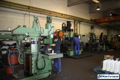 Reivax Maquinas Ajuntando las piezas previo al montaje de la maquinas