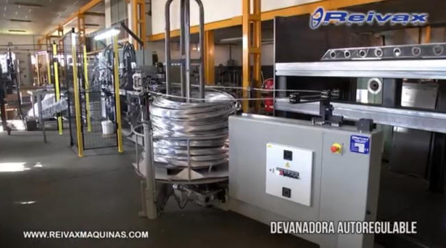 Motorized decoiler for wire roll. model DVM-1000 from Reivax Maquinas